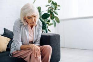 senior having athritis